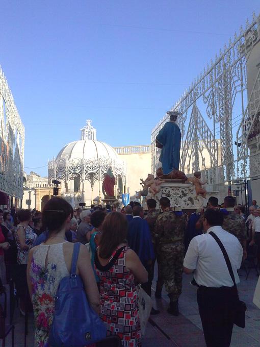 - Piazza a Cellino San Marco.
