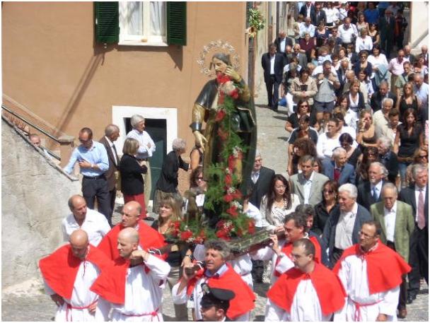 - Processione di San Rocco per le vie del paese.